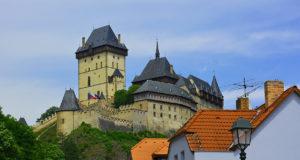 Замок Карлштейн рядом с Прагой