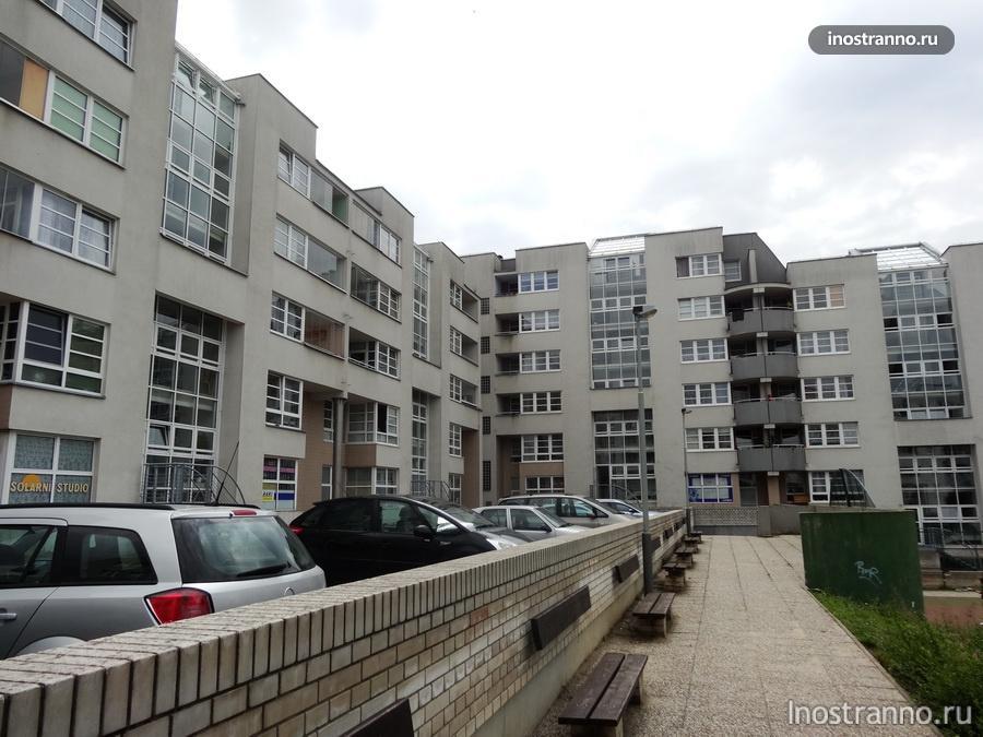 дома на окраине Праги