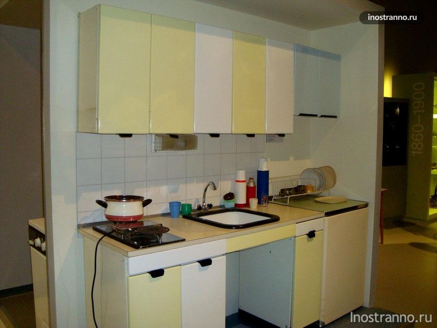 Кухонный гарнитур середины 20 века