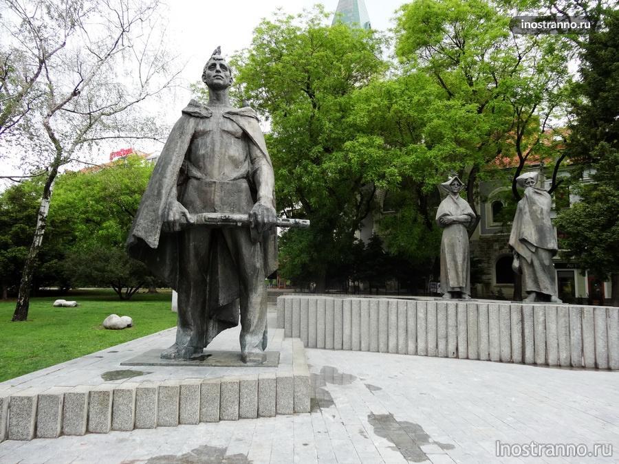 памятник воинам в Словакии