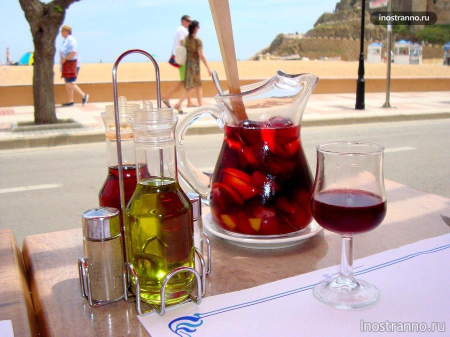 Испанский вкусный напиток сангрия