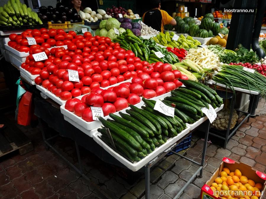 овощи на рынке в Болгарии