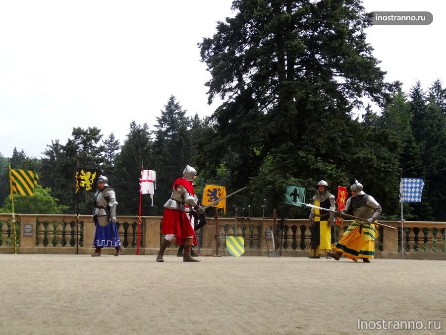 рыцари в замке