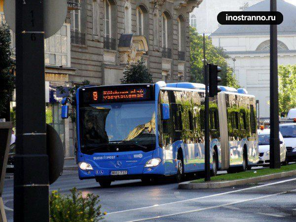 Автобус Mercedes в Будапеште
