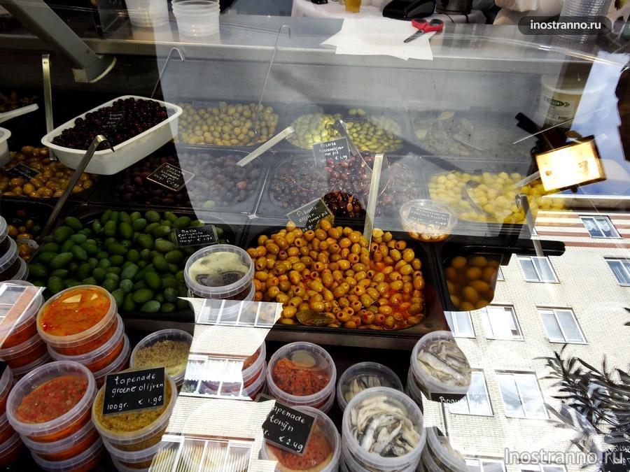вкусности на рынке в Голландии