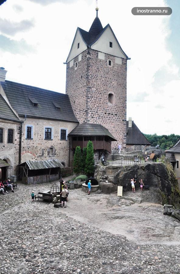 замок Локет рядом с Карловыми Варами