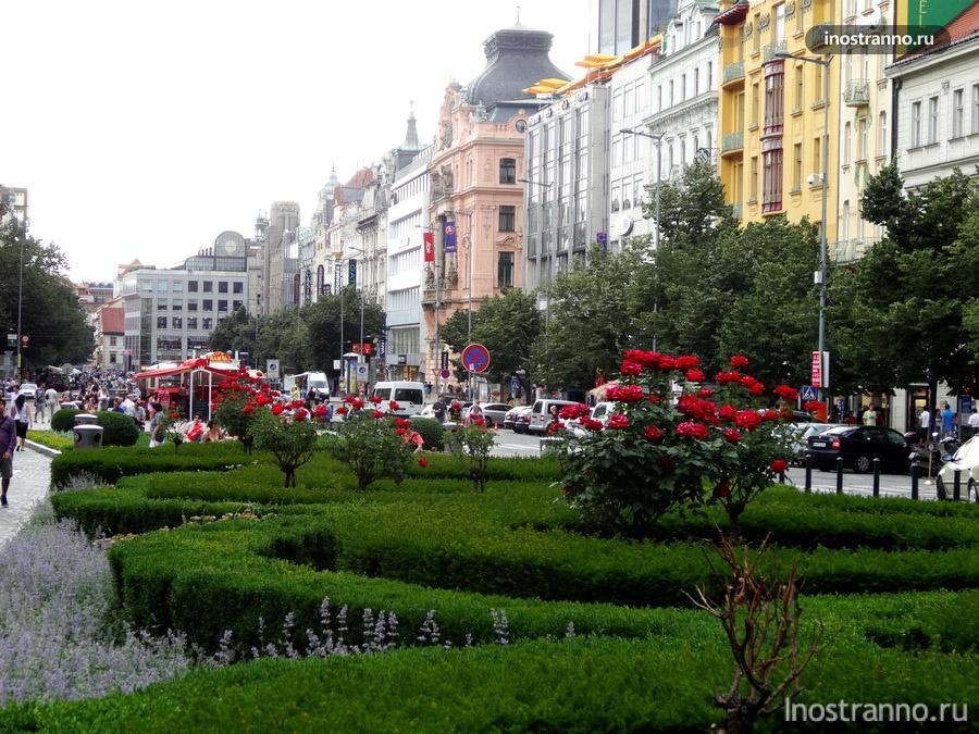 Вацлавская площадь и отели