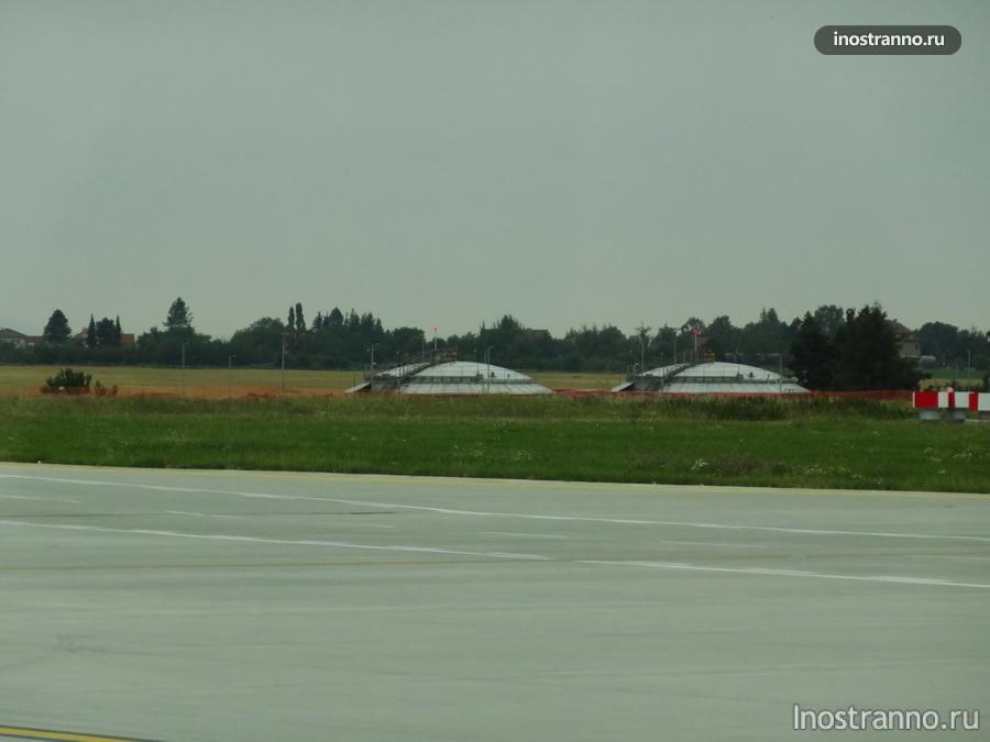 резервуары для хранения авиационного топлива
