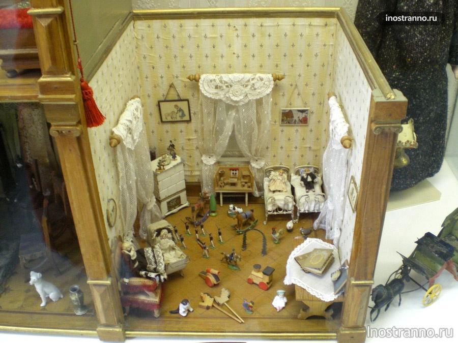 кукольный дом в музее игрушек