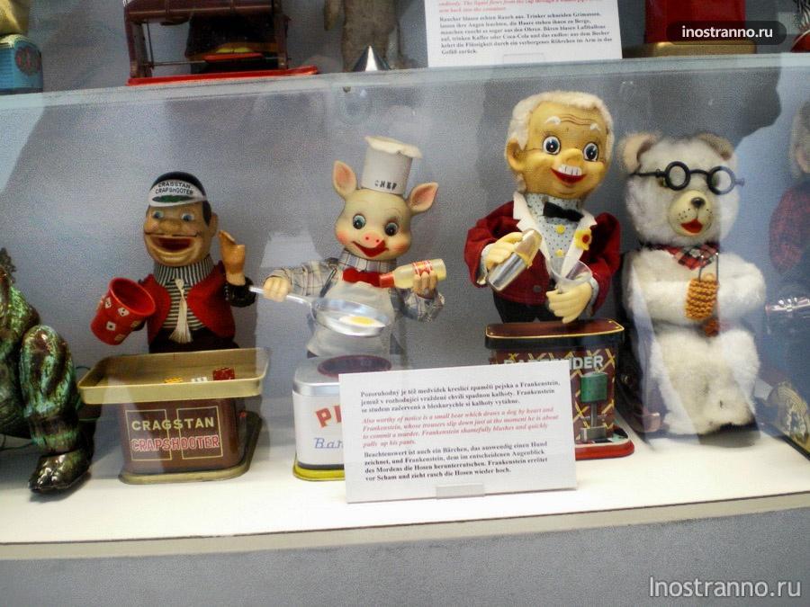Игрушки в музее Праги