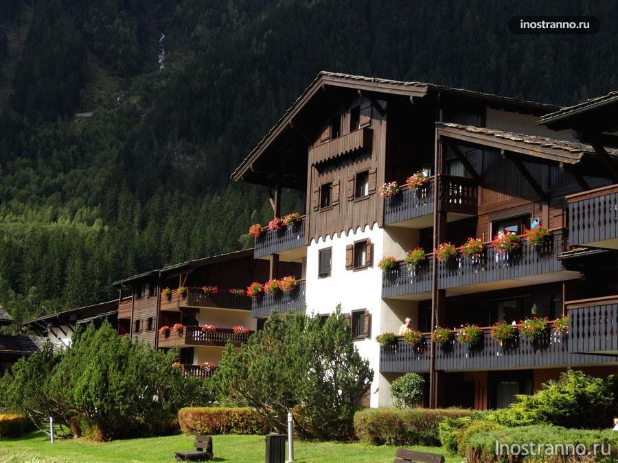 Деревянные шале в Альпах