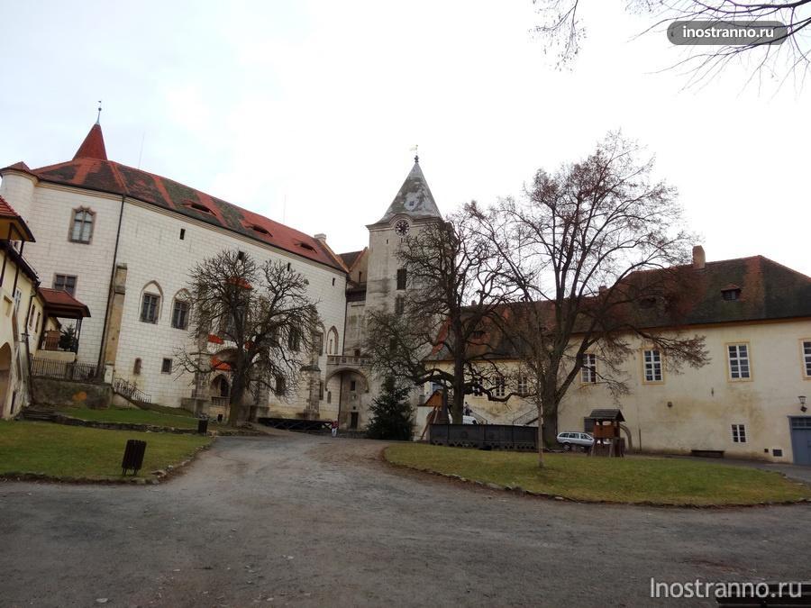 средневековый замок Крживоклат