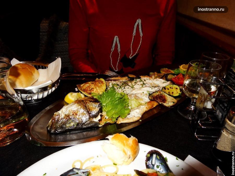 рыба в ресторане в венеции