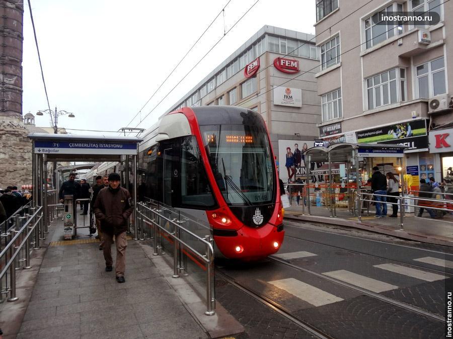 Турецкий трамвай в Стамбуле