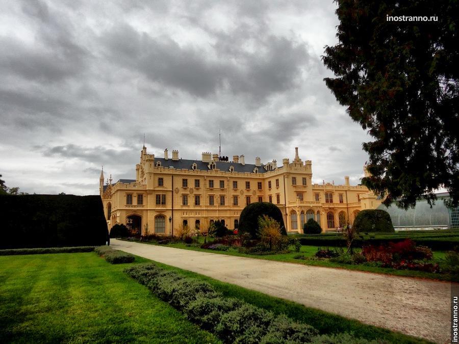 Экскурсия по замку Леднице