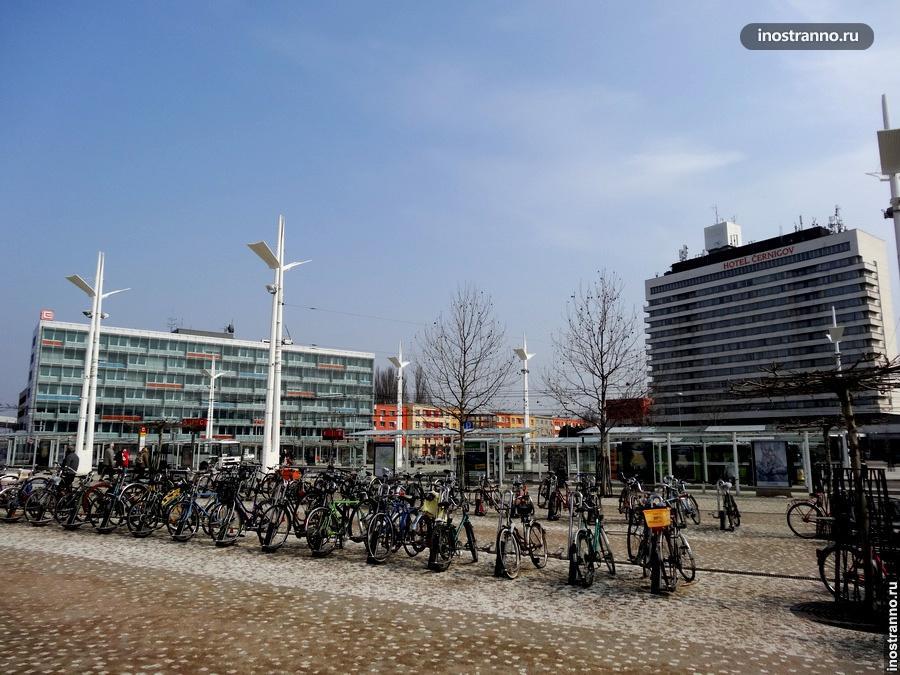парковка для велосипедов Градец-Кралове