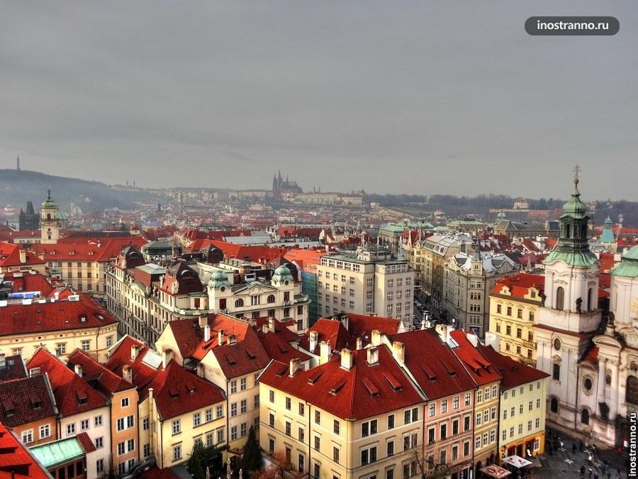 Красные крыши центра Праги