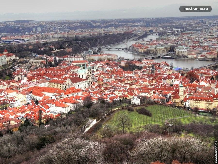 Панорама Праги с самой высокой смотровой
