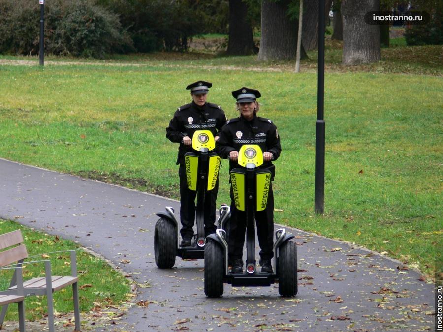Полиция на сегвеях