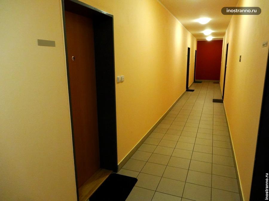 Коридор в домах в Чехии
