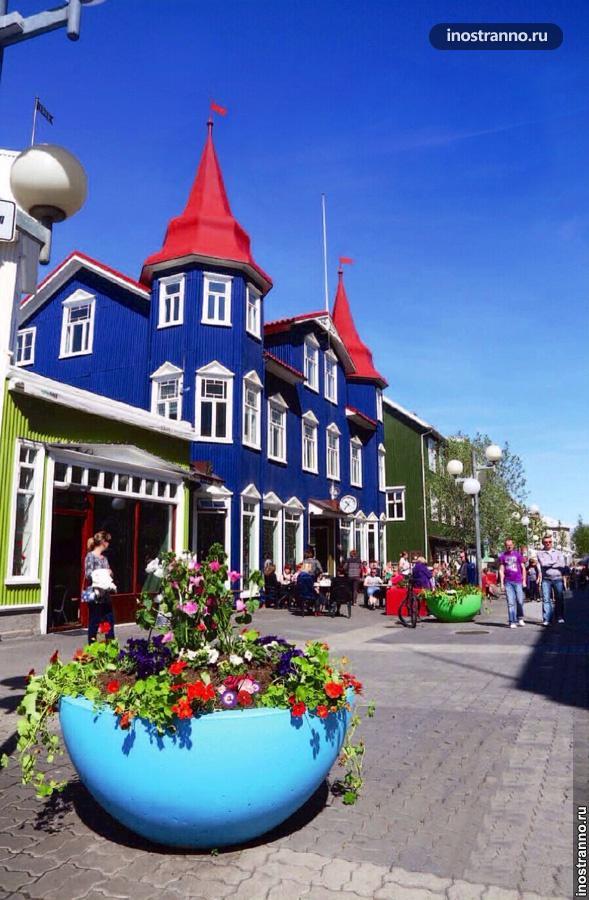 Северные дома в Акюрейри в Исландии