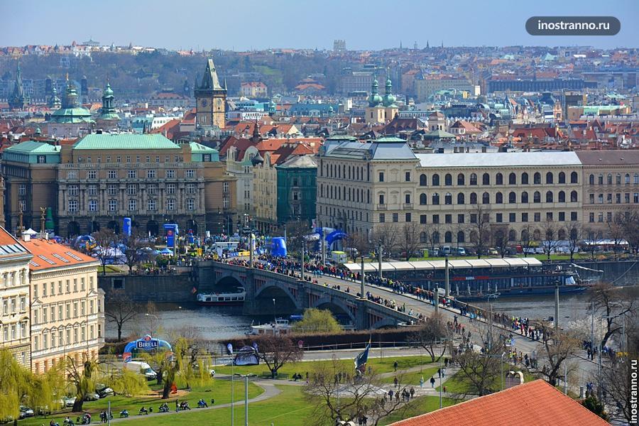 Весеннее фото Праги