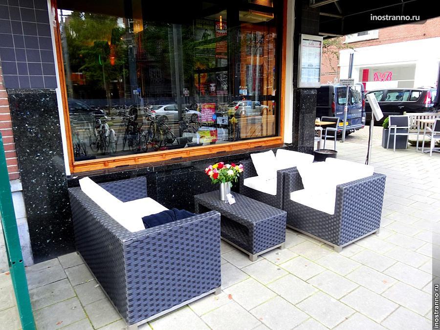 Уличное кафе Амстердама