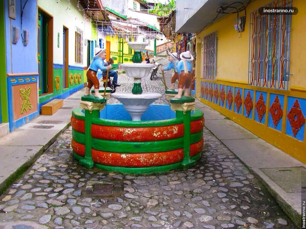 Достопримечательности города Гуатапе