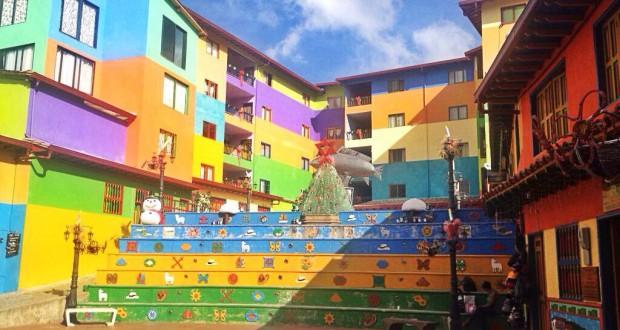 Достопримечательности Колумбии: Гуатапе – сказка, воплощенная в реальность