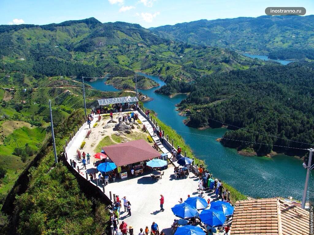 Красивый пейзаж в Гуатапе