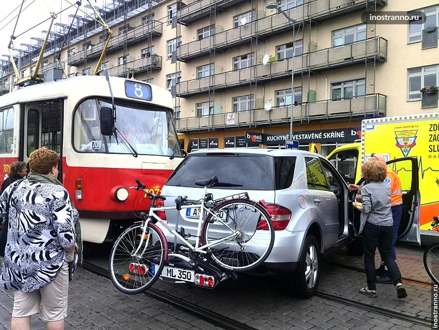 Авария с трамваем в Праге