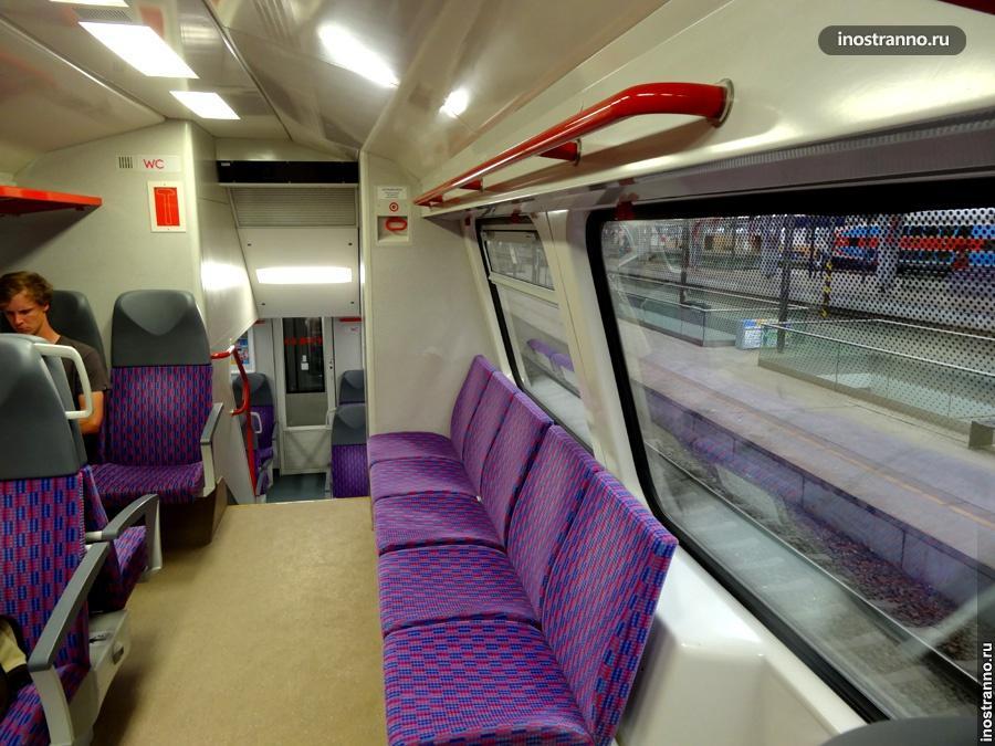 Интерьер поездов в Праге и в Чехии