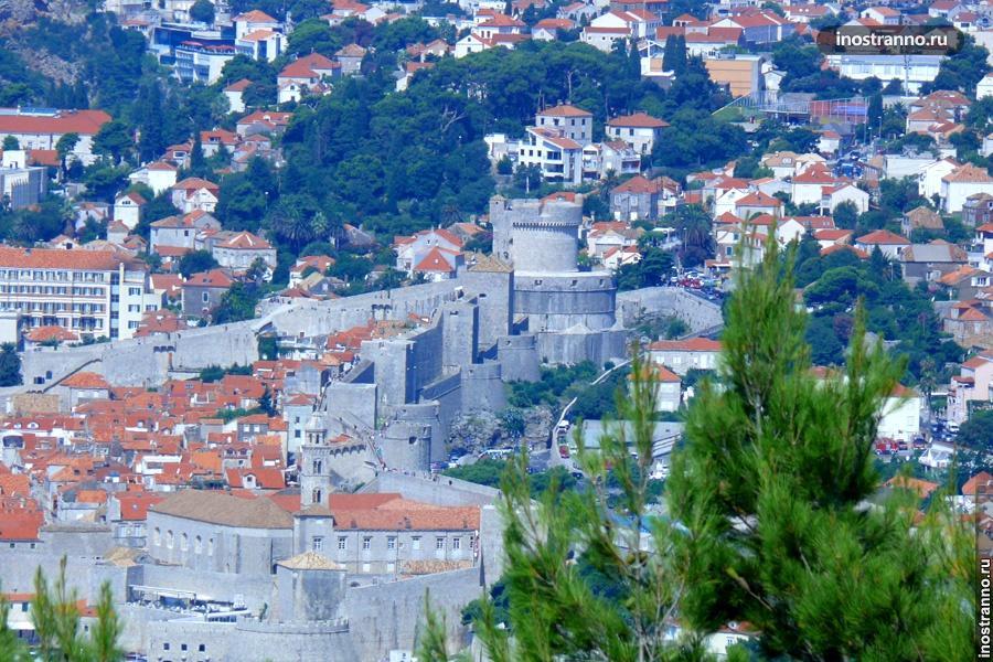 Дубровник замок и стена