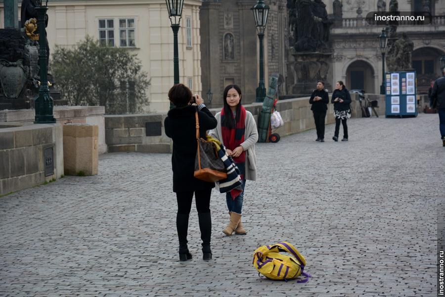Азиатские туристы в Праге