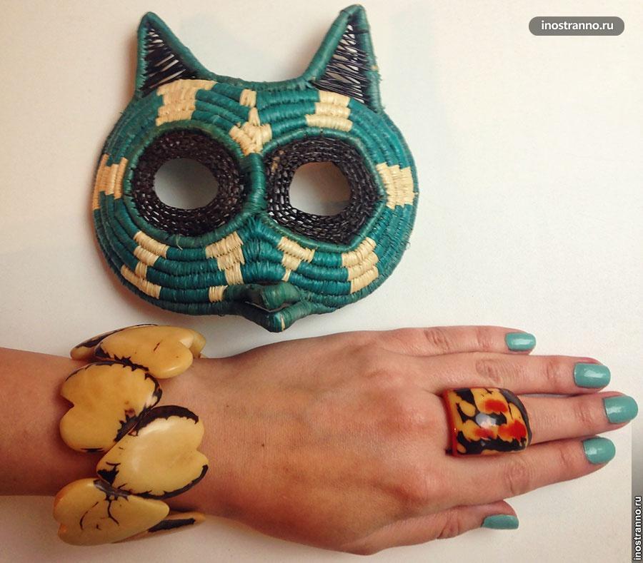 Сувениры из Панамы от индейцев Гуна