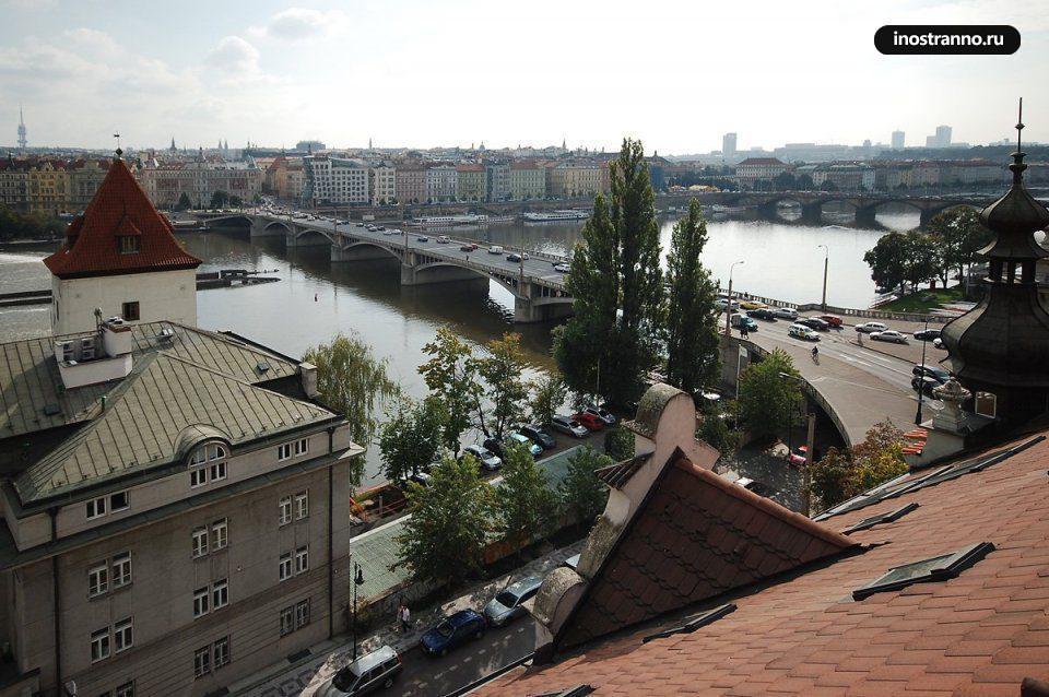 Вид из квартиры в Праге