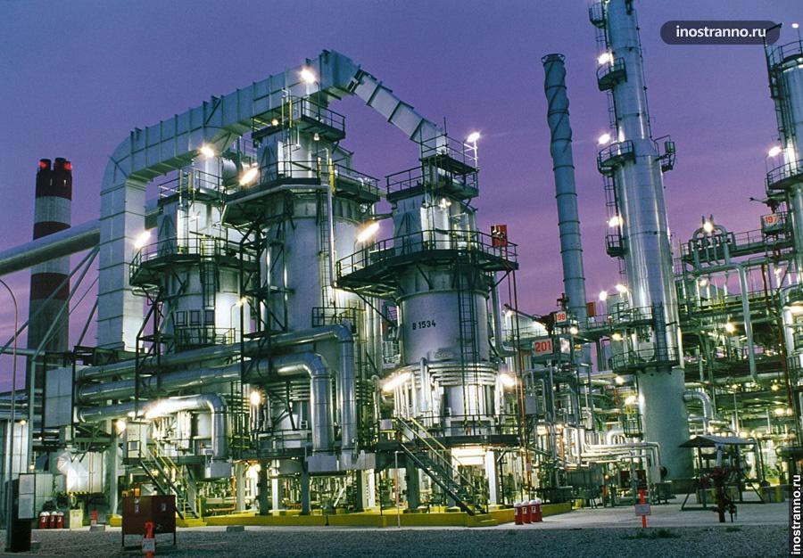 Нефтезавод в Румынии