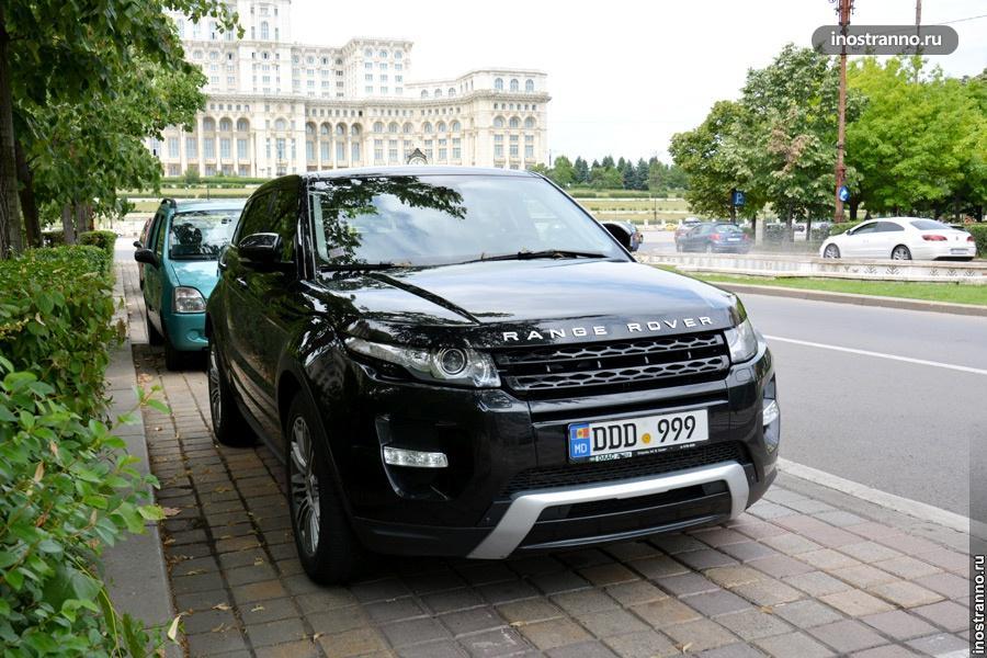 Черный Range Rover в Румынии