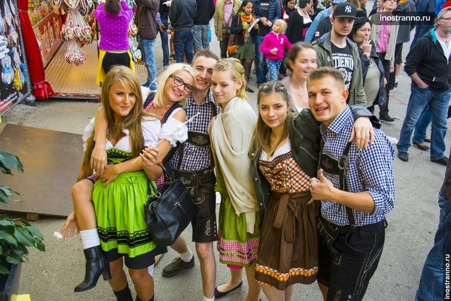 Украинки на Октоберфесте