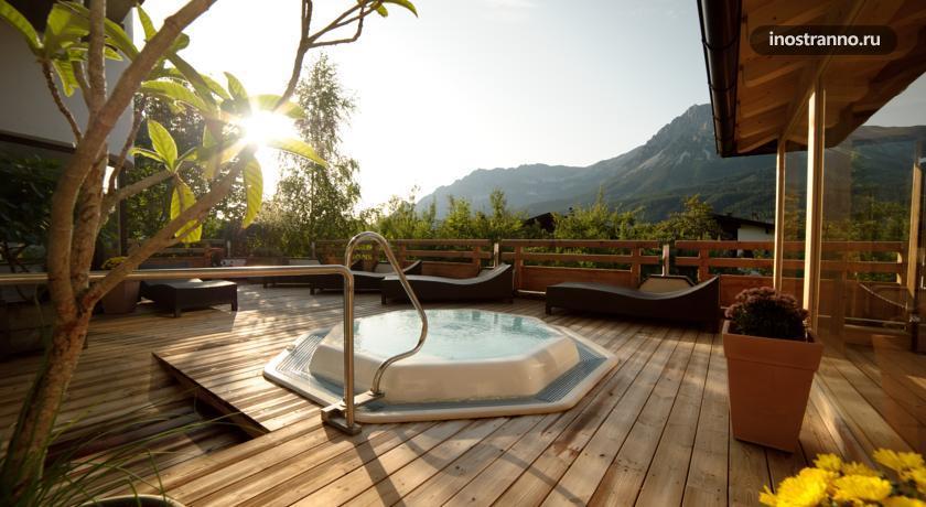 Альпийский отель с джакузи в Элльмау AktivHotel Hochfilzer
