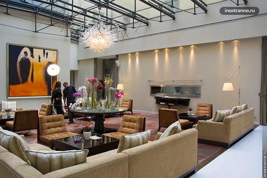 Холл отеля Mark Luxury Hotel