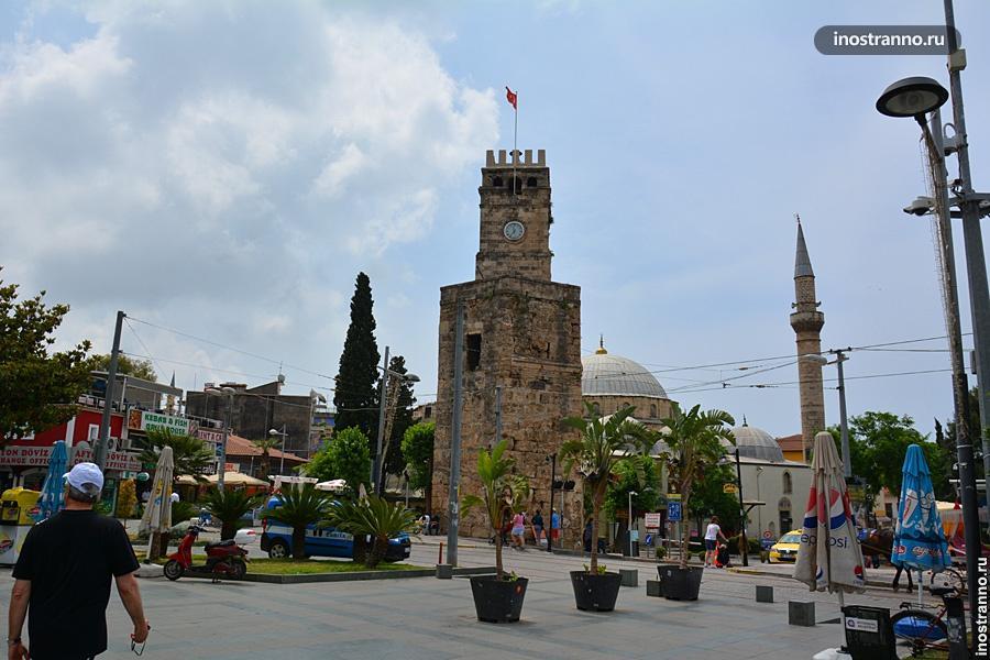 Часовая башня в Анталии