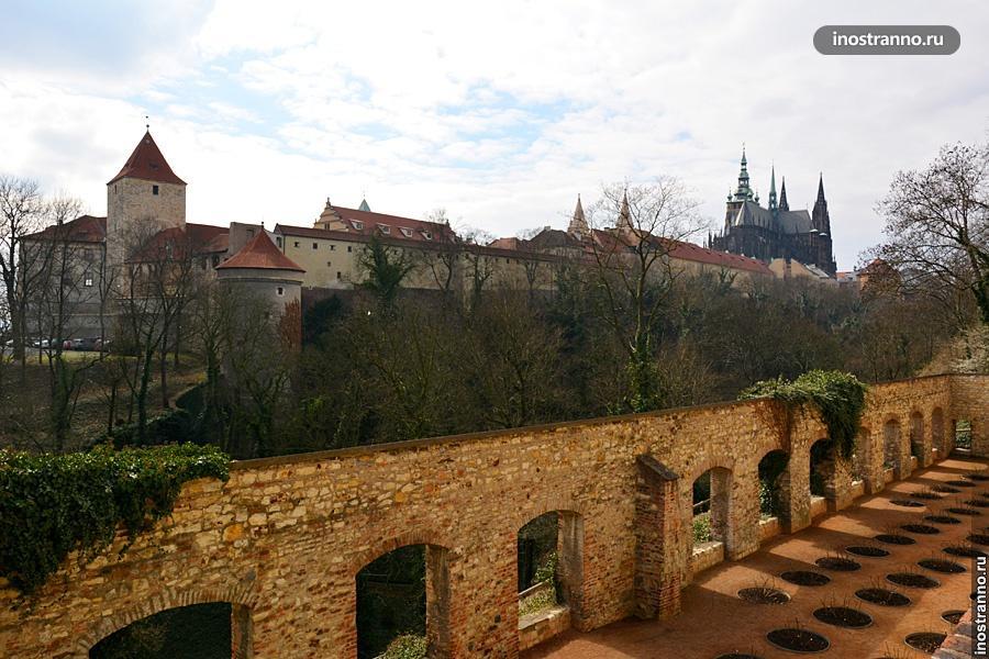 Пражский град стены