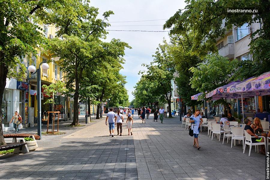 Улица в Бургасе