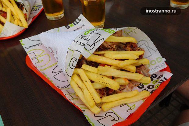 Гирос, греческое блюдо
