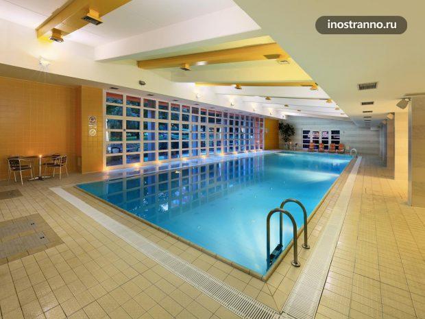 Гостиница в Праге с бассейном Hotel Duo