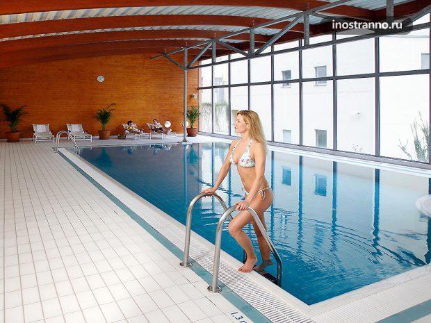 Отель в центре Праги с бассейном Novotel Praha Wenceslas Square