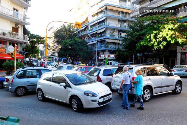 Парковка в Греции