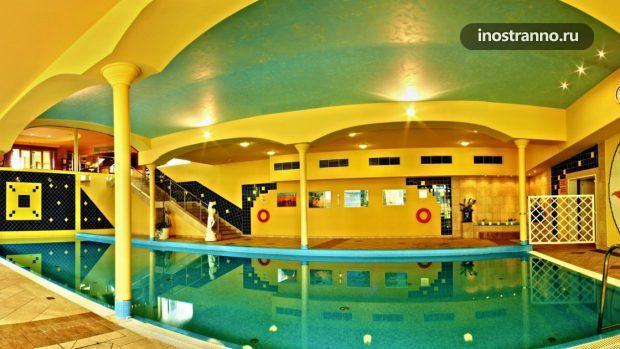 Гостиница в Праге с бассейном Top Hotel Prague