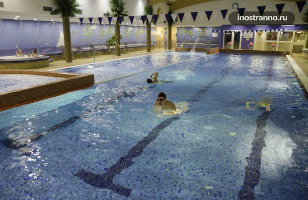 Отель в Праге с бассейном Wellness Hotel Step